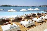 Interest on Rise for Greece High-End Hot...